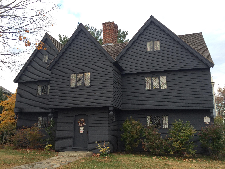 Haunted happenings in salem ma helen harvey for Salem house
